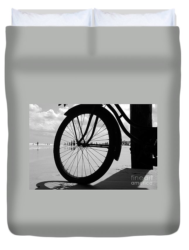 Beach Duvet Cover featuring the photograph Beach Bicycle by David Lee Thompson