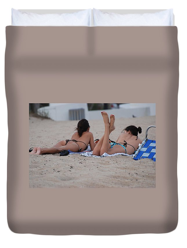 Girls Duvet Cover featuring the photograph Beach Combers by Rob Hans