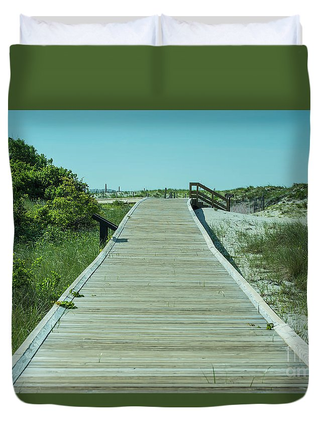 Landscape Duvet Cover featuring the photograph Beach Entrance by Tom Rostron