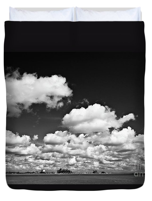 Heiko Duvet Cover featuring the photograph Beach Far And Wide by Heiko Koehrer-Wagner