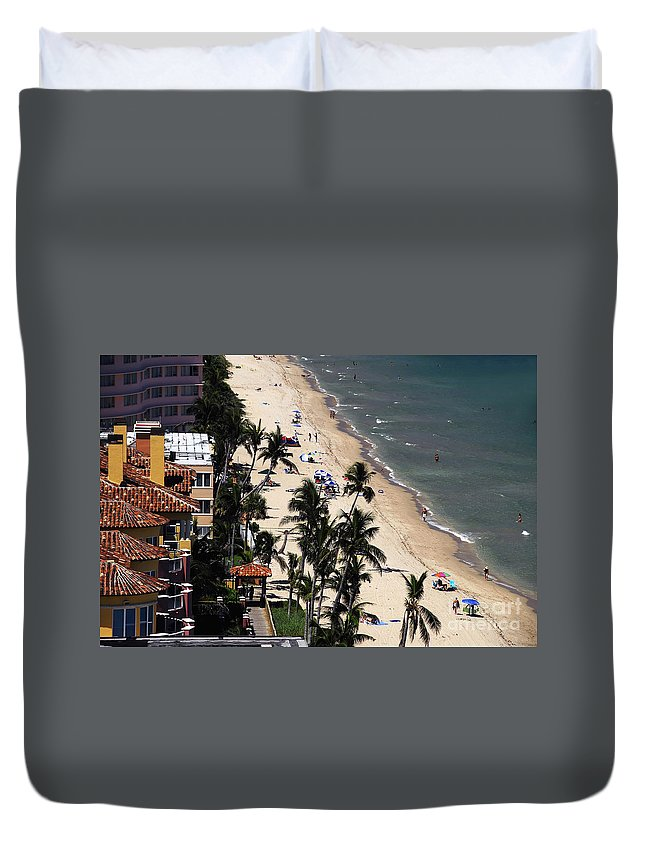 Beach Duvet Cover featuring the photograph Beach Scene by David Lee Thompson