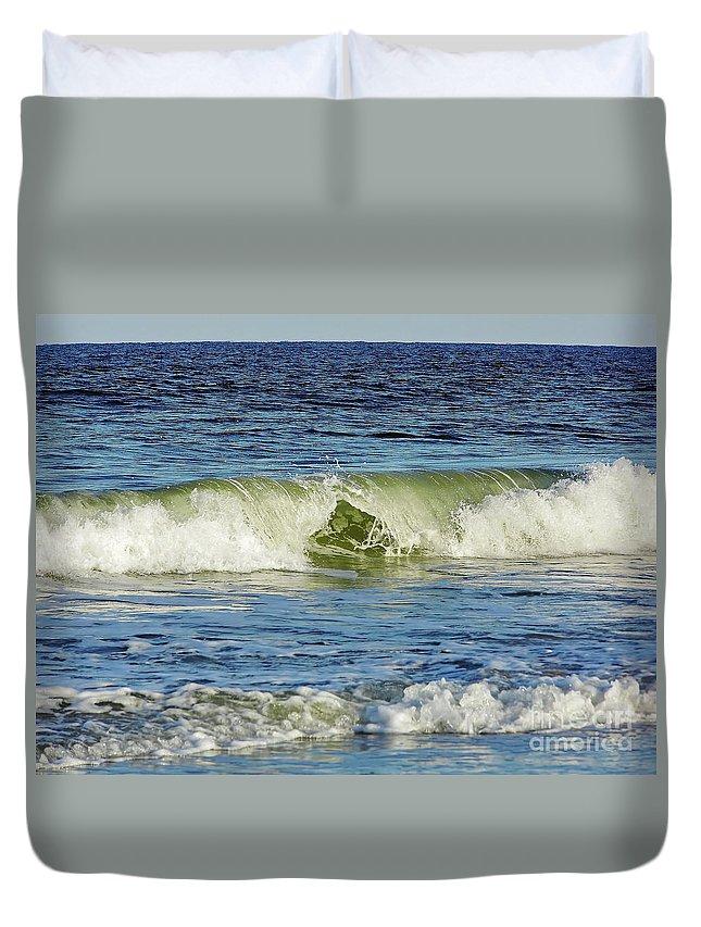 Vero Beach Duvet Cover featuring the photograph Beach Waves by D Hackett