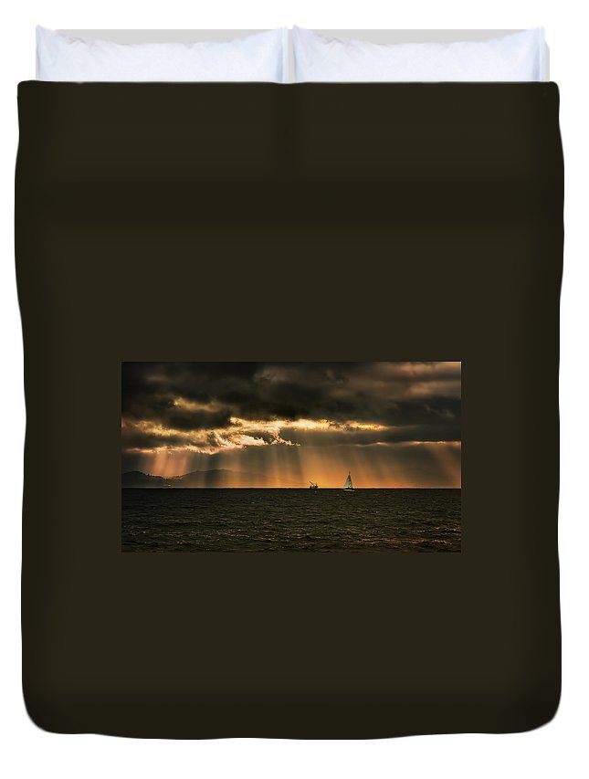 Landscape Duvet Cover featuring the photograph Beams by Laura Macky