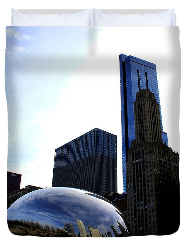 Chicago Duvet Cover featuring the photograph Beanland by Jose Corona