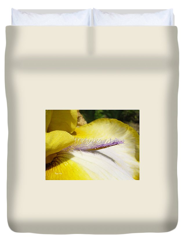 Bearded Iris Duvet Cover featuring the photograph Bearded Lady by Peggy King