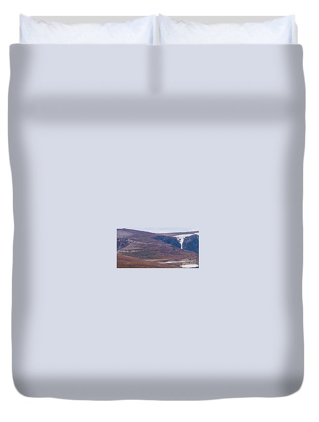 Beartooth Highway Duvet Cover featuring the photograph Beartooth Switchbacks by Tracy Knauer