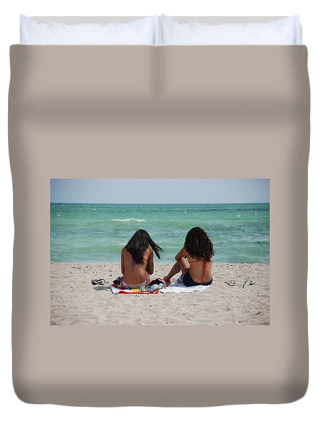 Women Duvet Cover featuring the photograph Beauties On The Beach by Rob Hans