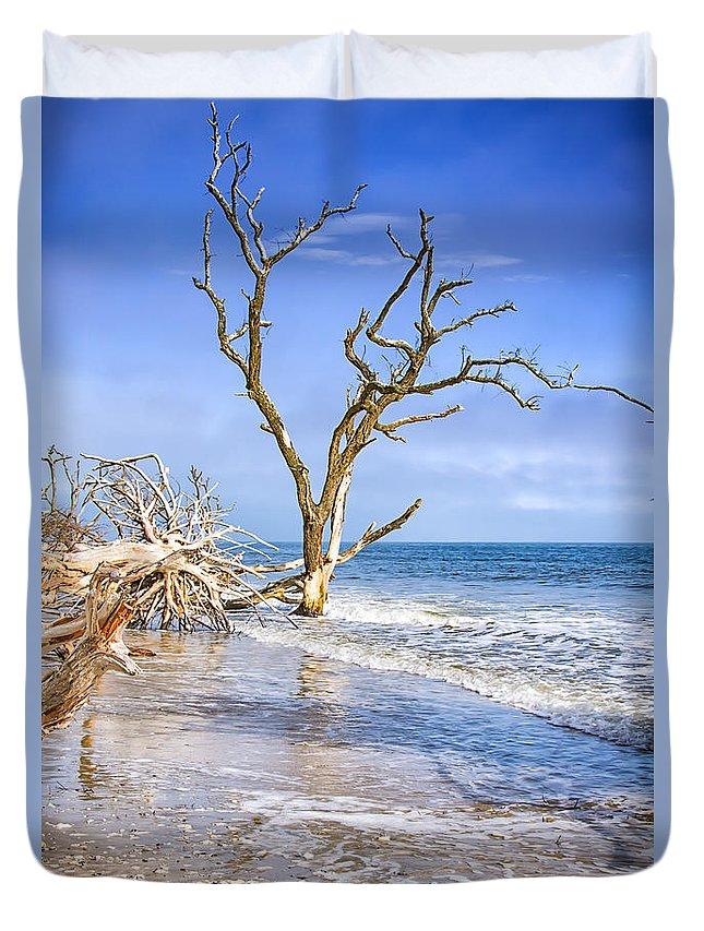Botany Bay Beach Duvet Cover featuring the photograph Beautiful Botany Bay Beach by Carol Ward
