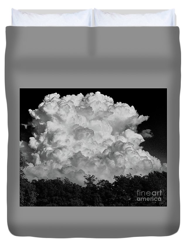 Cloud Duvet Cover featuring the photograph Beautiful Full Cloud by Stanton Tubb