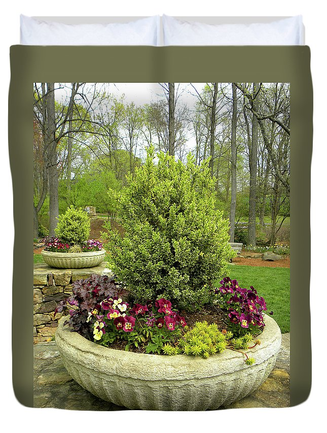 Garden Duvet Cover featuring the photograph Beautiful Welcome by Sandi OReilly