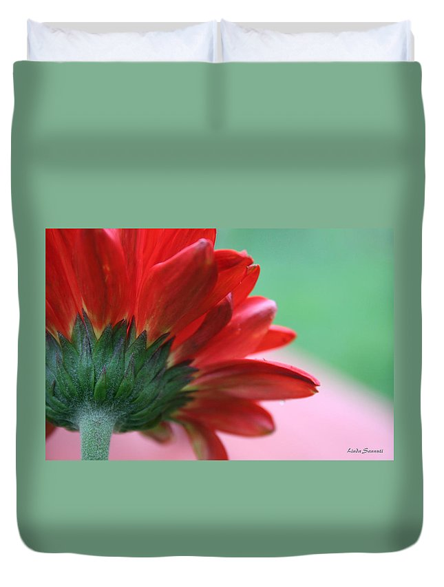 Flowers Duvet Cover featuring the photograph Beauty From Behind by Linda Sannuti