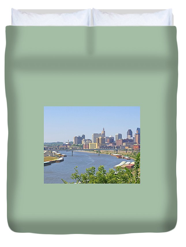 St Paul Duvet Cover featuring the photograph Bend In The River by Tom Reynen