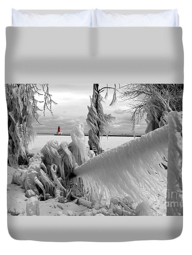 Lighthouse Ann Arbor Park Duvet Cover featuring the photograph Beyond The Icy Gate - Menominee North Pier Lighthouse by Mark J Seefeldt