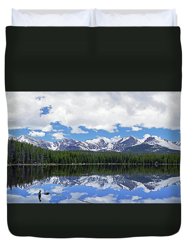 Lake Duvet Cover featuring the photograph Bierstadt Lake Panorama by Brian Kerls