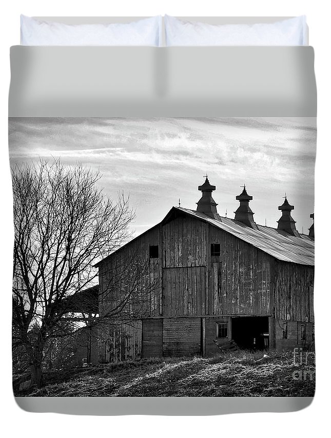 Barn Duvet Cover featuring the photograph Big Barn by Kirt Tisdale