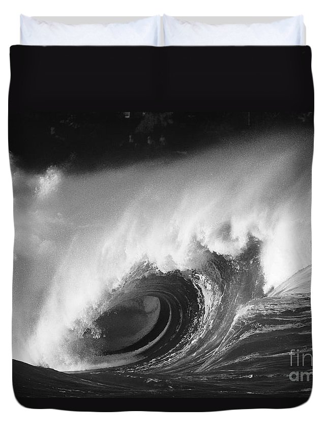 Art Medium Duvet Cover featuring the photograph Big Breaking Wave - Bw by Vince Cavataio - Printscapes