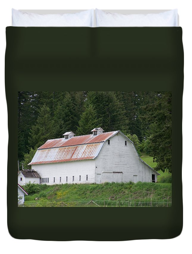 White Duvet Cover featuring the photograph Big White Old Barn With Rusty Roof Washington State by Laurie Kidd