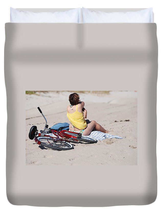 Red Duvet Cover featuring the photograph Bike On The Beach by Rob Hans