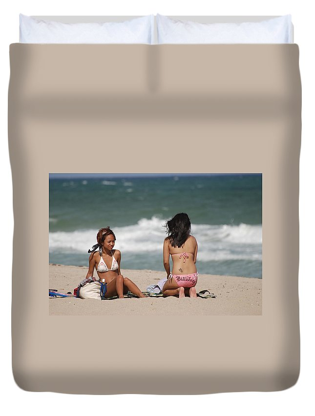 Sea Scape Duvet Cover featuring the photograph Billabong Girls by Rob Hans