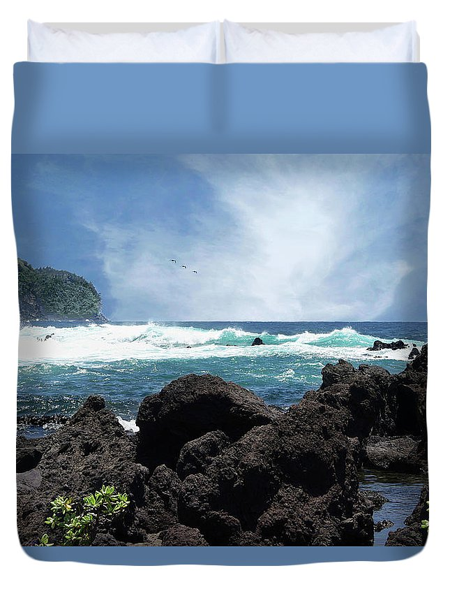 Hawaii Duvet Cover featuring the photograph Black And Blue by Jeannee Gannuch
