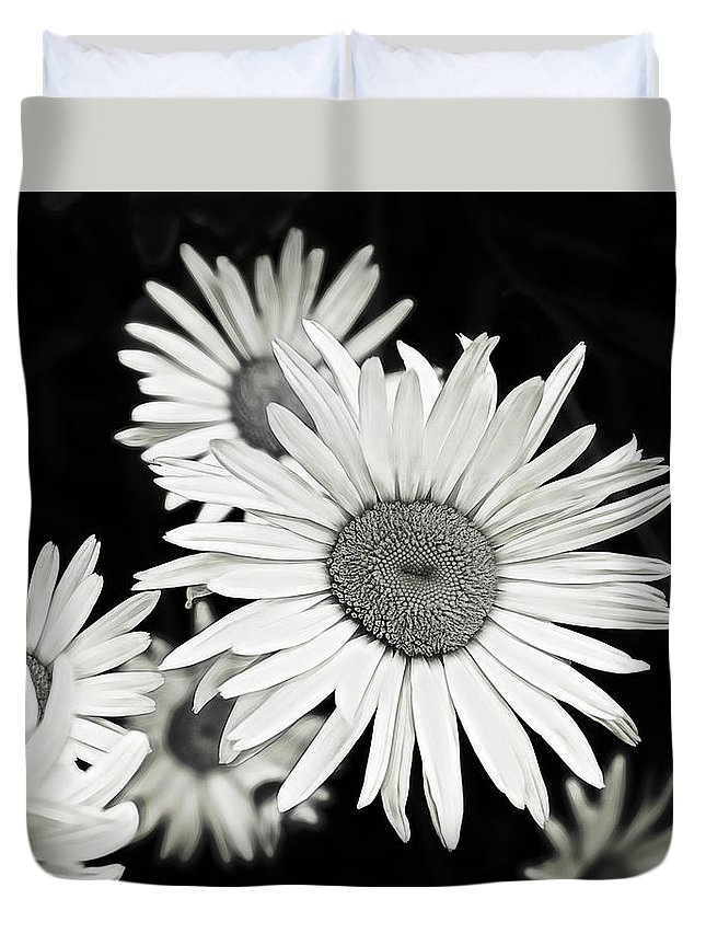 Flower Duvet Cover featuring the photograph Black And White Daisy 3 by Alisha Jurgens