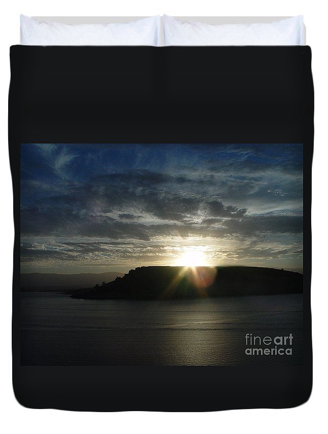 Black Butte Lake Duvet Cover featuring the photograph Black Butte Sunrise by Peter Piatt