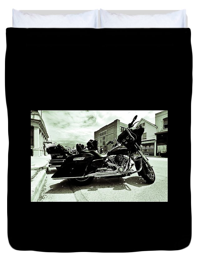 Duvet Cover featuring the photograph Black Rumbler by Angel Moran
