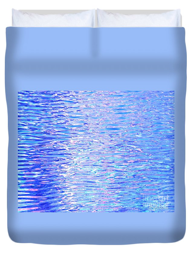 Water Duvet Cover featuring the photograph Blissful Blue Ocean by Sybil Staples