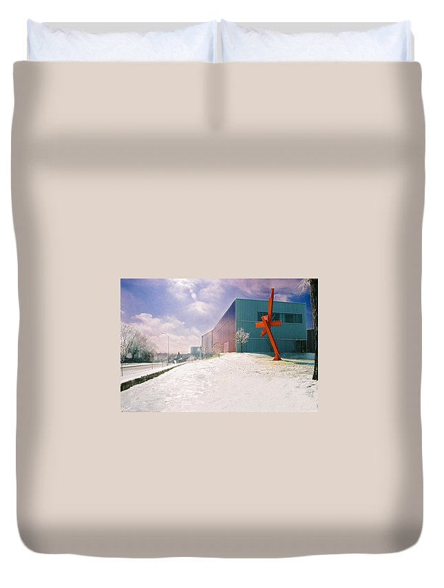 Landscape Duvet Cover featuring the photograph Bloch Building At The Nelson Atkins Museum by Steve Karol