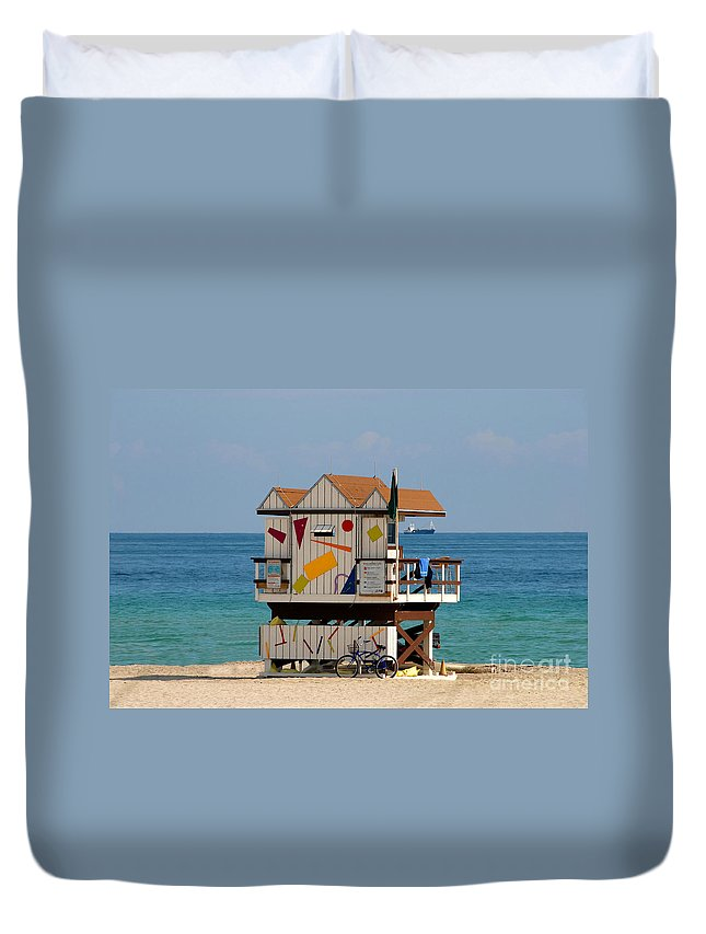Miami Beach Duvet Cover featuring the photograph Blue Bicycle by David Lee Thompson
