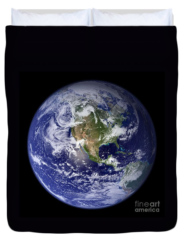 Earth Duvet Cover featuring the photograph Blue Marble Earth, North America by Science Source