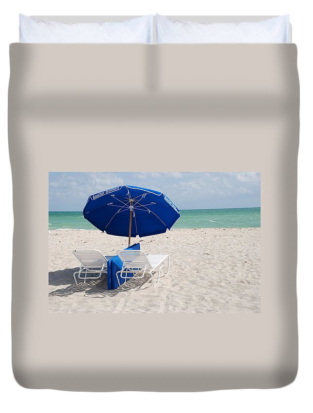 Sea Scape Duvet Cover featuring the photograph Blue Paradise Umbrella by Rob Hans