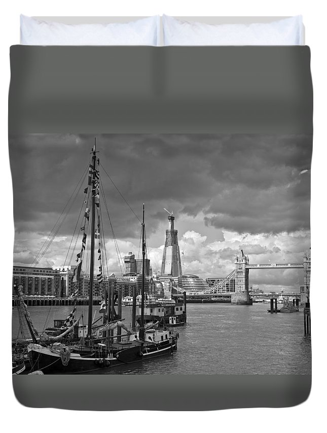 B&w Duvet Cover featuring the photograph Boats And Shard And Tower Bridge Bw by Gary Eason