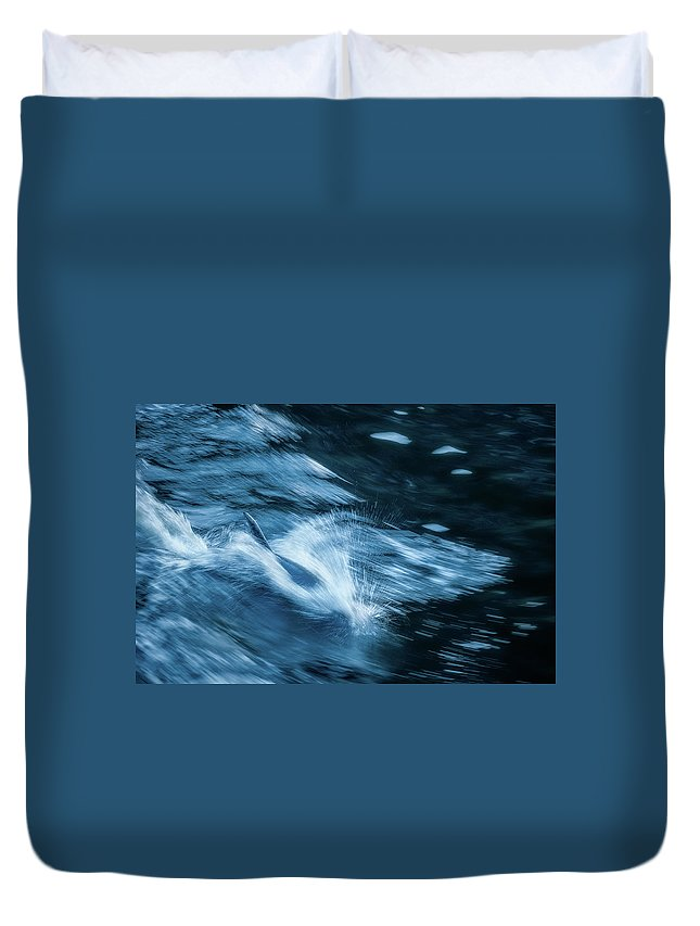 Fiordland National Park Duvet Cover featuring the photograph Born For Speed by Daniela Constantinescu