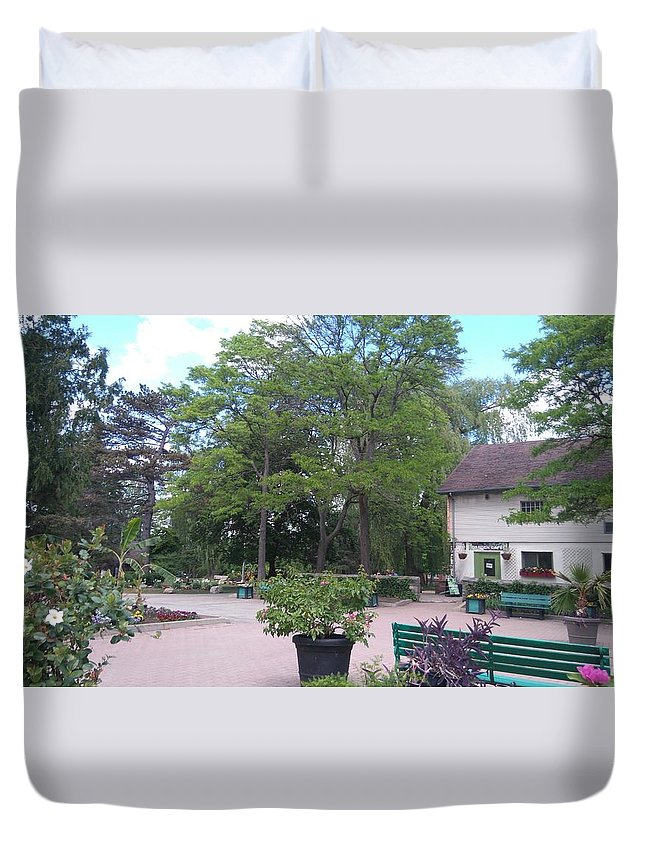A Botanical Garden In May In North America Duvet Cover featuring the photograph Botanical Garden by Connie Du