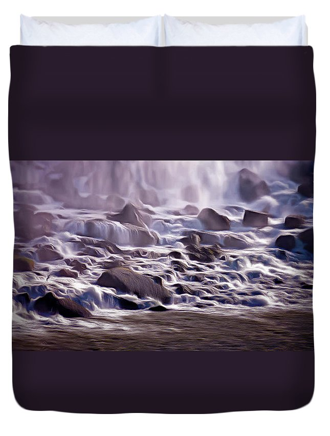 Niagara Falls Duvet Cover featuring the photograph Bottoms Up by Leslie Montgomery