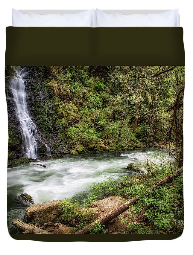 Boulder Falls Duvet Cover featuring the photograph Boulder River by Charlie Duncan