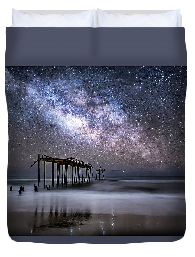 Milky Way Duvet Cover featuring the photograph Breaking Away by Jay Wickens