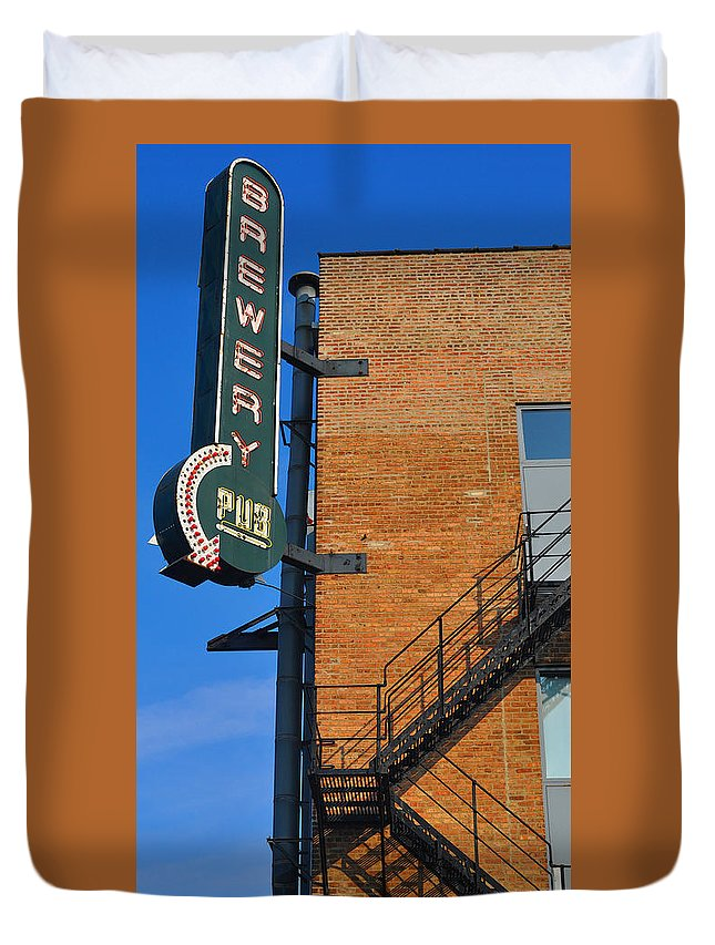 Chicago Duvet Cover featuring the photograph Brewery Pub by Tim Nyberg