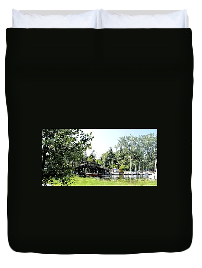 Yahcts Duvet Cover featuring the photograph Bridge To The Club by Ian MacDonald