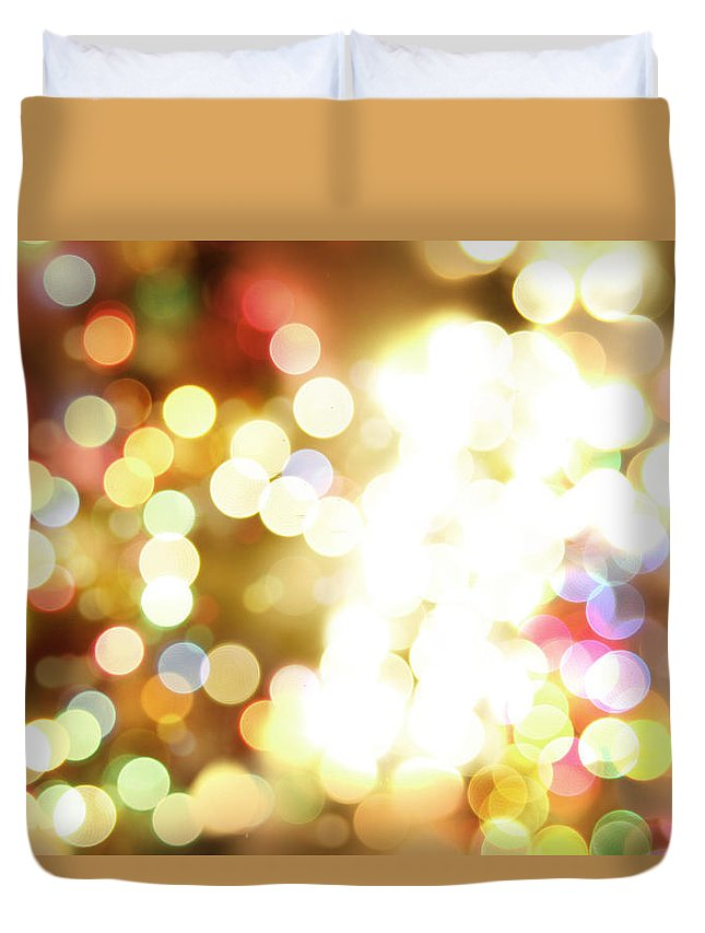 Bright Lights Duvet Cover featuring the digital art Bright Lights by Les Cunliffe