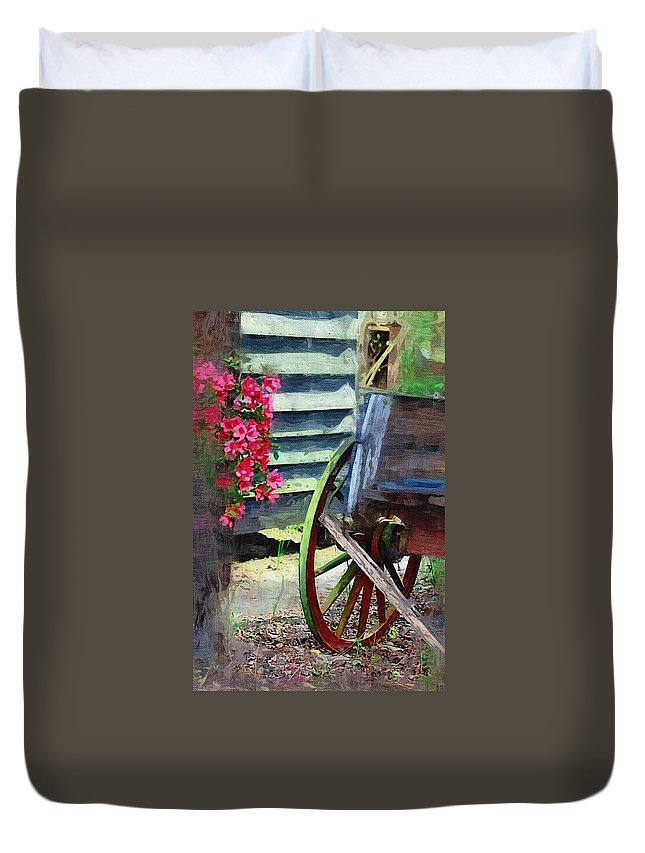 Wagon Duvet Cover featuring the photograph Broken Wagon by Donna Bentley