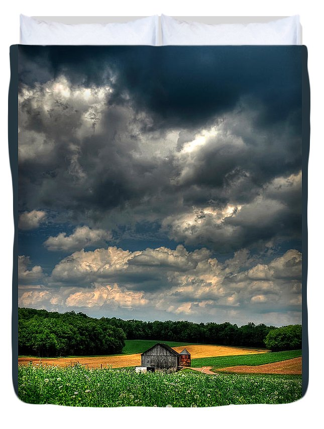 Old Barn Duvet Cover featuring the photograph Brooding Sky by Lois Bryan