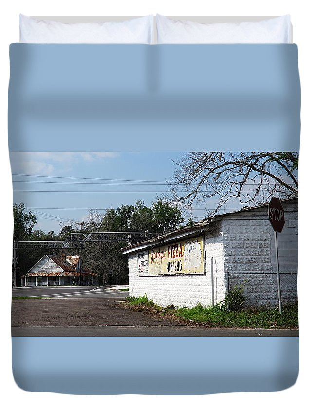 Landscape Duvet Cover featuring the photograph Brooker Grocery by Roger Epps