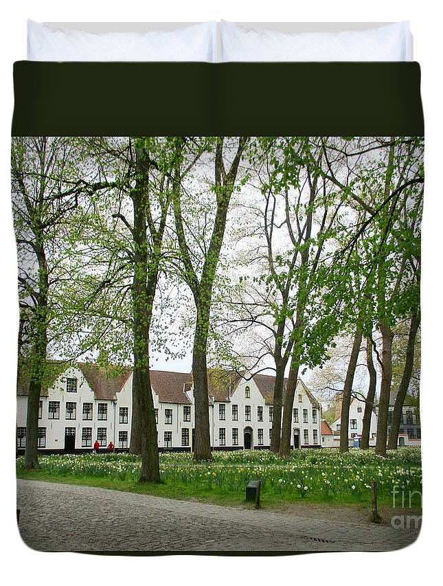 Bruges Duvet Cover featuring the photograph Bruges Begijnhof 1 by Randall Weidner