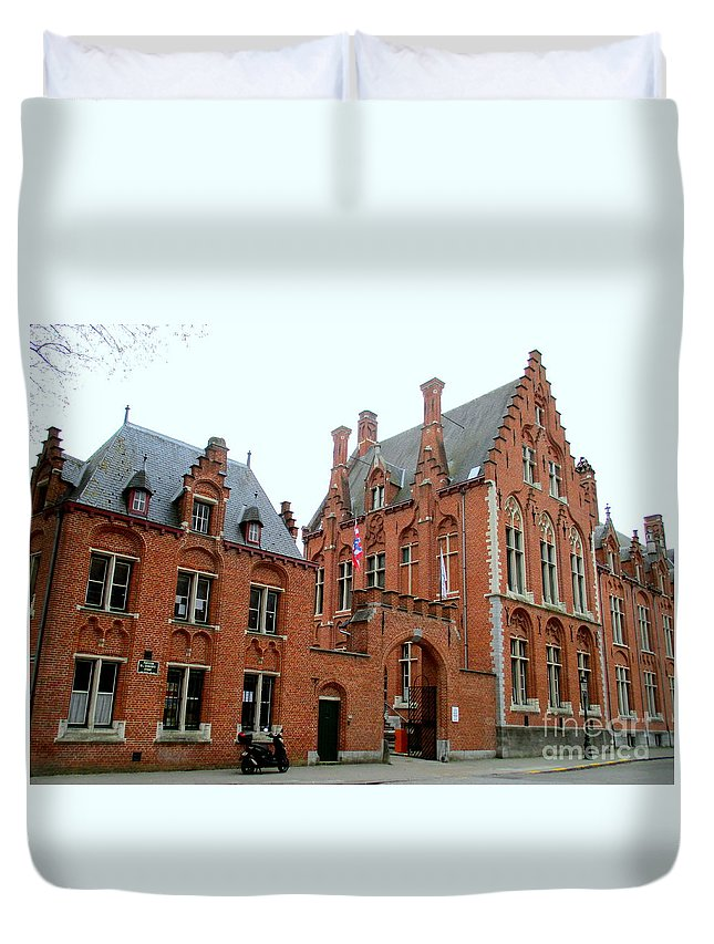 Bruges Duvet Cover featuring the photograph Bruges Sashuis 5 by Randall Weidner