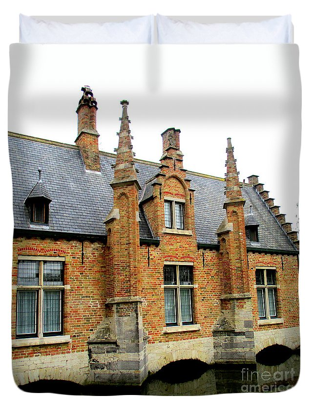 Bruges Duvet Cover featuring the photograph Bruges Sashuis 6 by Randall Weidner
