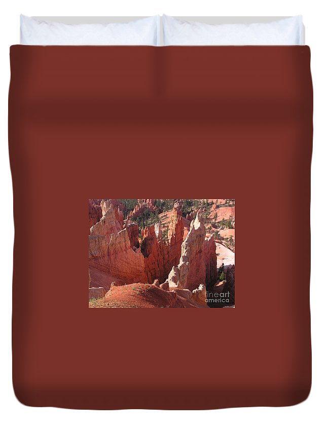 Bryce Duvet Cover featuring the photograph Bryce Canyon Look by Louise Magno
