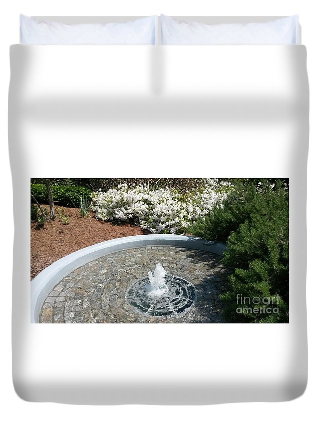 Water Fountain Duvet Cover featuring the photograph Bubbly by Maxine Billings