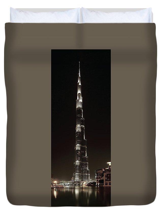 burj Khalifa Duvet Cover featuring the photograph Burj Khalifa Tower - Dubai by Daniel Hagerman